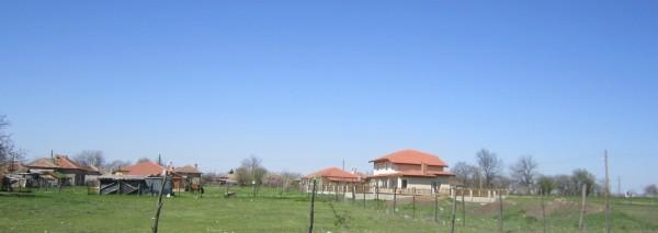 Дворно място с площ 1595 кв.м., с. Люляково, общ. Ген. Тошево, ID:1000/12